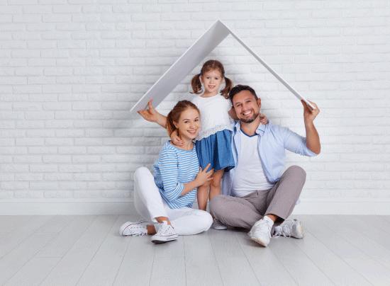 famille toit maison bonheur travaux isolation